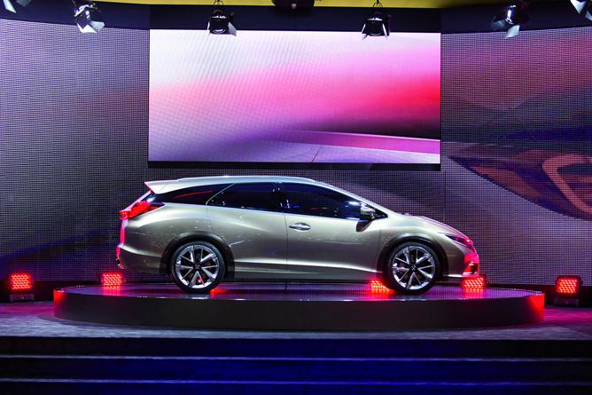 De nieuwe Honda Civic Tourer met uniek adaptief dempingsysteem